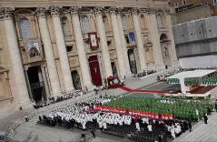 Hildegard av Bingen og Johannes av Ávila utropes til kirkelærere på Petersplassen